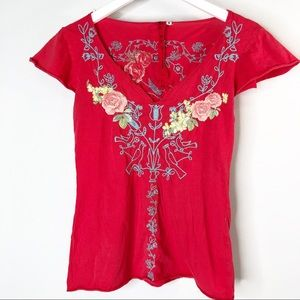 Johnny Was LA Red V Neck Embroidered T shirt sz S